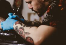 tatuaż, pierwszy tatuaż, zasady tatuaży, etykieta tatuowania, jak przygotowac się do tatuaży, co nalezy wiedzieć przed tatuażem