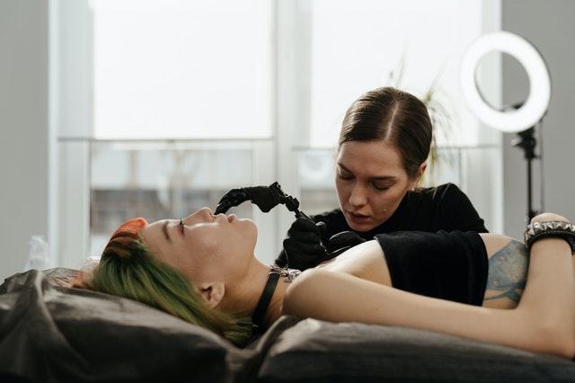 tatuaż, pierwszy tatuaż, tatuowanie