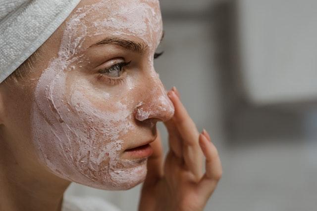 oczyszczanie twarzy, dwuetapowe oczyszczanie twarzy, jak myć twarz, jak oczyszczać twarz, pielęgnacja twarzy, dwukrokowe oczyszczanie