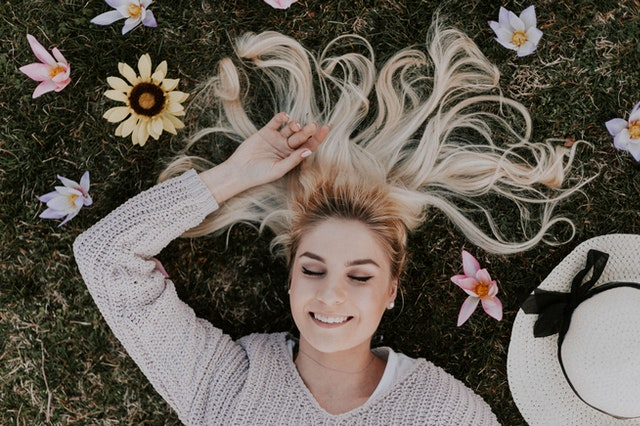 jak być szczęśliwszym, minimalizm w życiu, jak być minimalistą, jak być spokojniejszym, jak się uspokoić, spokojne życie, życie bez stresu, jak przestać analizować