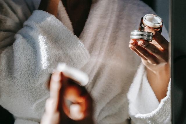 zakupy kosmetyczne, jak kupować kosmetyki, jakie kosmetyki kupować, gdzie kupować kosmetyki, cmzy kosmetyki muszą być drogie, czy drogie kremy są skuteczne, czy tanie kosmetyki są skuteczne