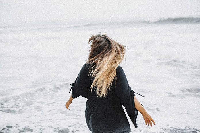 Zabezpiecz włosy latem
